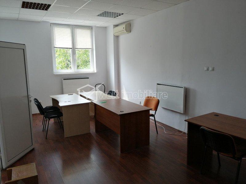 Spatiu birou, compartimentat, 52 mp, zona Piata Cipariu, servicii administrare