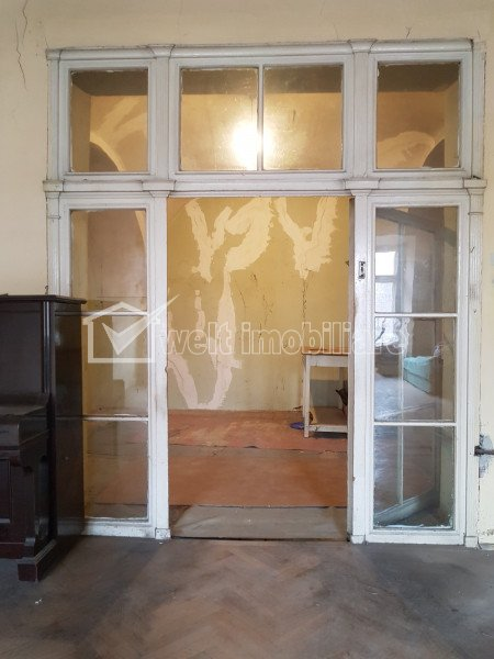 Vanzare birou 68mp, ultracentral, curte, beci, str. Memorandumului