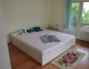 Apartament 4 camere in casa, 120 mp utili, 70 mp curte, mobilat, zona UMF