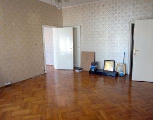Lakás 6 szobák kiadó on Cluj-napoca, Zóna Centru