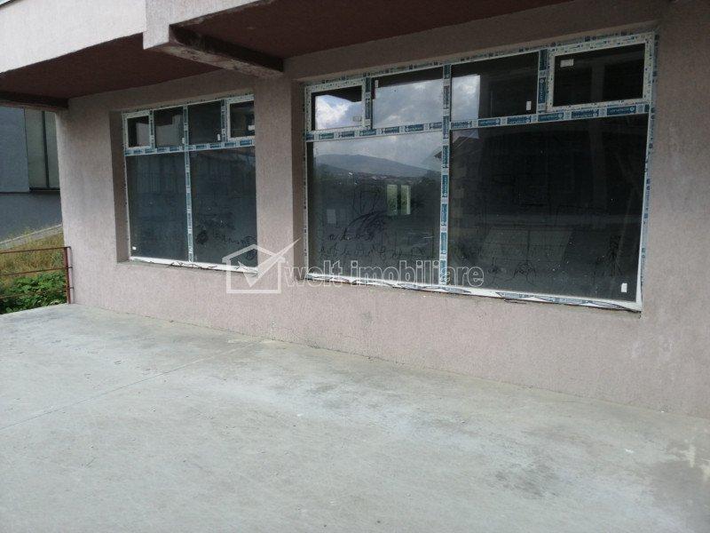 Spatiu comercial de vanzare, semifinisat, 138 mp, vitrina parter zona Borhanci.