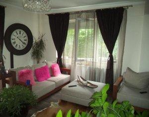 Apartament cu 3 camere, in Plopilor, bloc nou