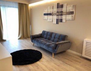 Apartament de lux, prima inchiriere, 3 camere, semidecomandat, Centru