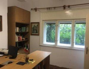 Vanzare spatiu birou la casa, 22mp utili, curte comuna , Zona centrala
