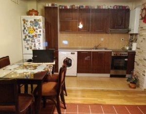 Appartement 3 chambres à vendre dans Cluj Napoca, zone Baciu