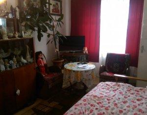 Vand apartament 1 camera, decomandat, zona Casa Piratilor