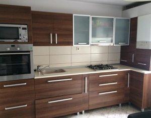 Apartament 3 camere, zona semicentrala, posibilitate de investitie
