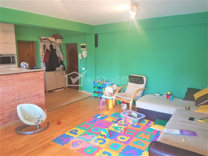 Vand apartament 2 camere central, Horea