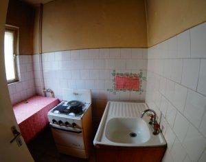 Garsoniera spatioasa, situata la etaj intermediar, cartierul Marasti