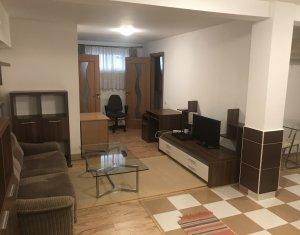 Inchiriere apartament 3 camere, demisol, zona UMF, TOATE CHELTUIELILE INCLUSE