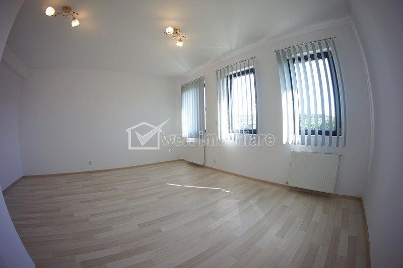 COMISION 0 ! Casa individuala, garaj si terasa, zona superba, langa Hotel Stil