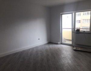 Apartament 3 camere decomandat, 2 bai, balcon, in Manastur, Piata Flora