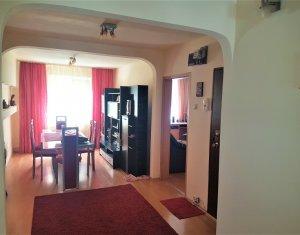 Vand apartament 4 camere decomandat Manastur  Zona Negoiu