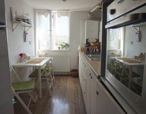 Vanzare Apartament 3 camere, foarte cochet, cu scara interioara, cartier Iris