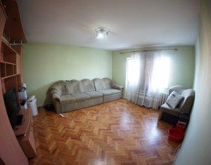 Apartament 3 camere, decomandat, 67 mp, 2 bai, 2 balcoane, Manastur, Mehedinti