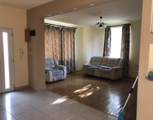 Casa individuala, de inchiriat 270 mp, teren 1500 mp, la intrare in Gilau