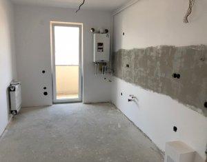 Apartament decomandat, 2 camere, zona centrala