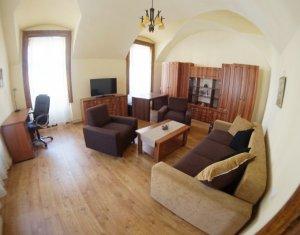 Apartament 2 camere, decomandat, in Piata Muzeului, lux