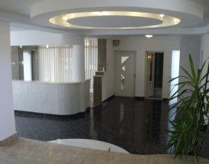 Casa de vanzare , 210mp, ideala pentru pentru cabinete, Zona Centrala