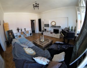 Apartament de 2 camere, foarte cochet, confort sporit, 73 mp, Centru
