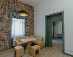 Inchiriere apartament 2 camere, lux, decomandat, prima inchiriere, Centru