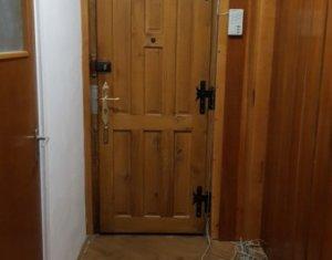Apartament de 3 camere Louis Pasteur zona UMF