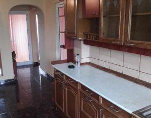 Vanzare apartament 3 camere decomandat in cartierul Marasti