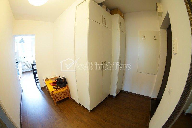 Apartament 2 camere, decomandat, 51 mp+balcon, 2 parcari, etaj 1/4, Iulius Mall