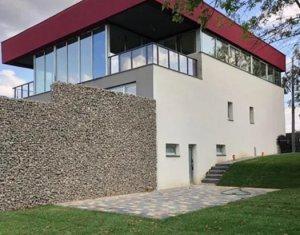 Vanzare apartament in casa tip vila, cu gradina si panorama deosebita