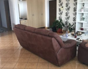 Inchiriere apartament spatios 3 camere, terasa, garaj, Andrei Muresanu