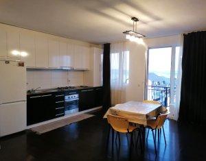 Apartament 3 camere, 70 mp, etaj intermediar, zona strazii Fagului