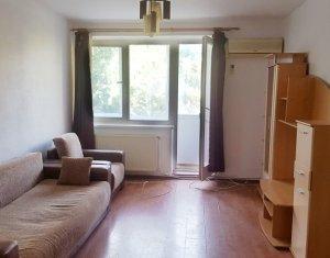 Apartament 2 camere, decomandat, strada Unirii