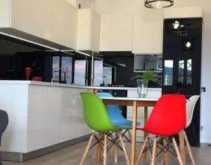 Apartament de lux cu 3 camere, 74 mp, etaj 3/7, balcon, parcare, Buna Ziua