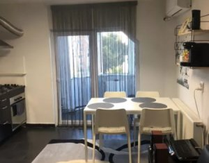 PLOPILOR - Vanzare apartament 3 camere semidecomandat, zona Parcul Babes