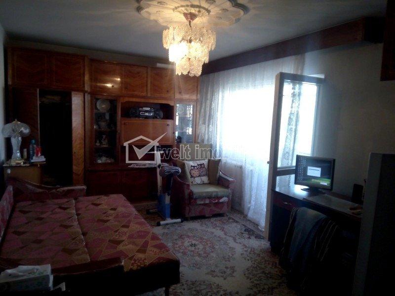 Apartament 2 camere, decomandat, etaj 2 din 4, zona IULIUS-FSEGA