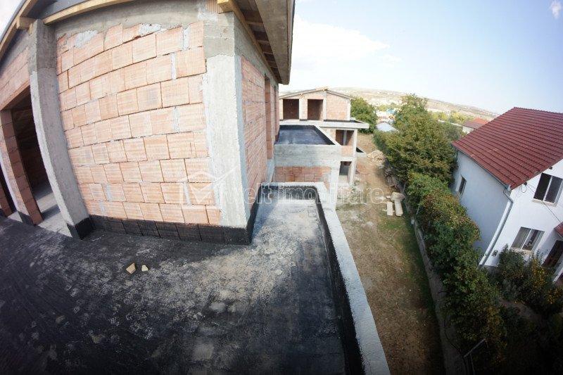 Duplex de vanzare