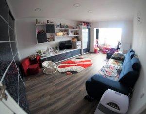 Apartament cu 2 camere decomandate, etaj intermediar, Intre Lacuri