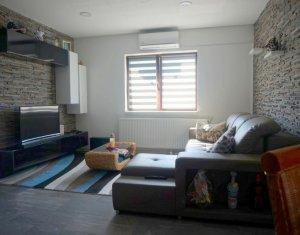 Vanzare apartament cu 2 camere, terasa 55mp,  Floresti, strada Sub Cetate