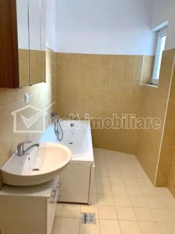 Apartament 2 camere semidecomandate 67mp, etaj intermediar, Manastur