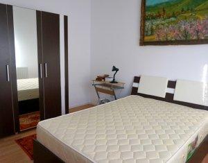 Vanzare apartament cu 2 camere, decomandat, strada Eroilor, Floresti