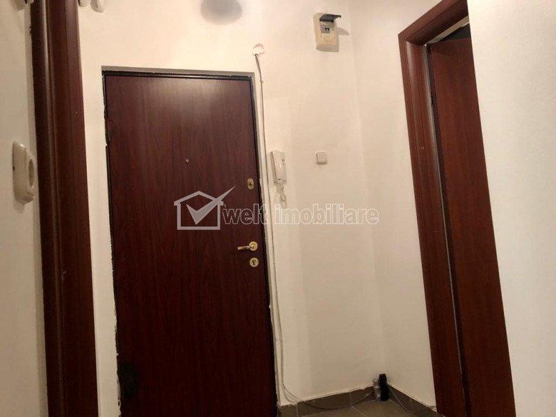 Apartament cu 1 camera, decomandat, complet mobilat si utilat, semicentral