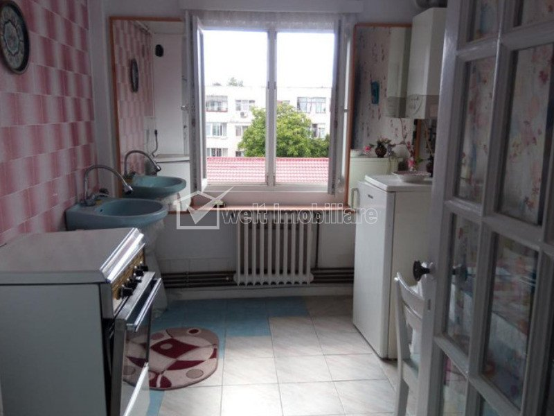 Apartament de 3 camere, semidecomandat, confort 1, Manastur