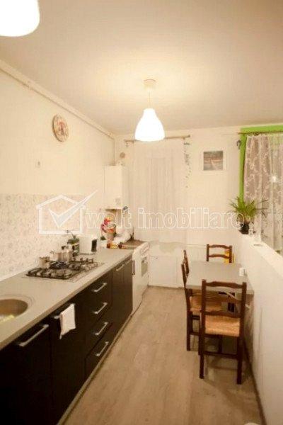 Vanzare apartament 2 camere, gradina 50 mp, situat in Floresti, zona Somesului