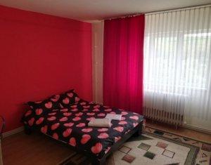 Apartament de 2 camere, decomandat, Manastur, zona McDonald's, usor negociabil