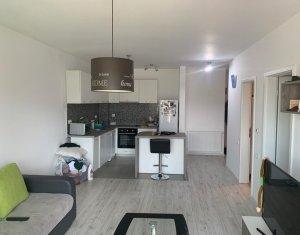 Apartament de 2 camere, semidecomandat, 52 mp, etaj 4/6, Buna ziua