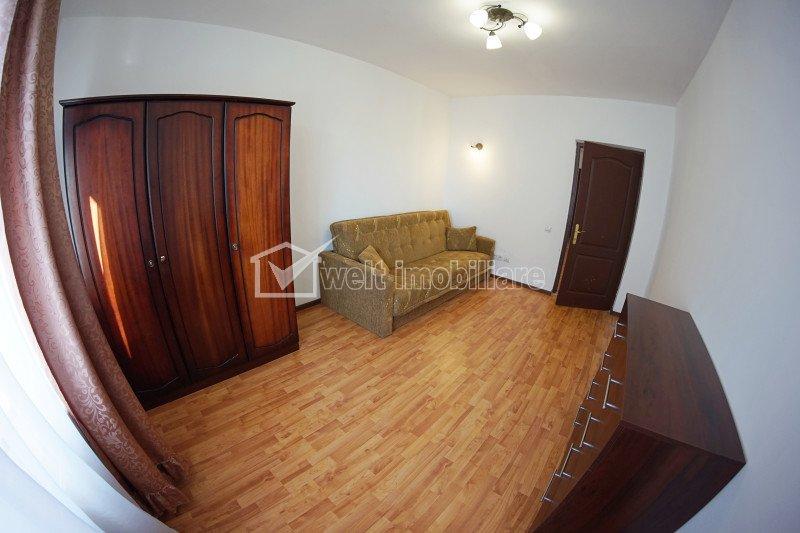 Apartament cu 3 camere, garaj, zona Buna ziua