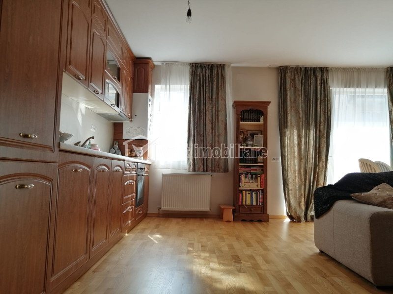 Apartament 2 camere, mobilat, etaj 2/3, zona Florilor