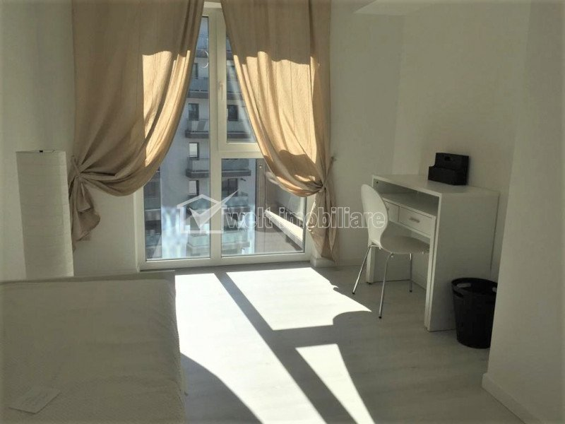 Apartament cu 3 camere, lux, 80 mp, loc de parcare, centru