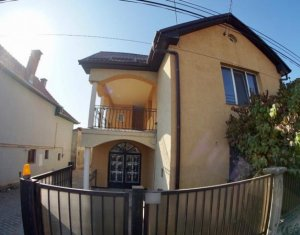House 7 rooms for rent in Cluj-napoca, zone Baciu
