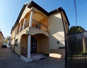 Apartament in vila moderna, 3 camere, lux, SU 190 mp, Baciu